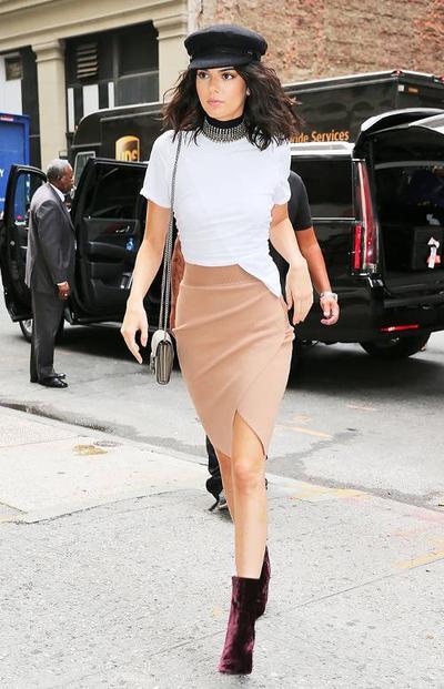 Para Artis Hollywood Wanita Ini Memiliki Style Fashion yang Oke Banget! Intip Gaya Mereka di Sini!
