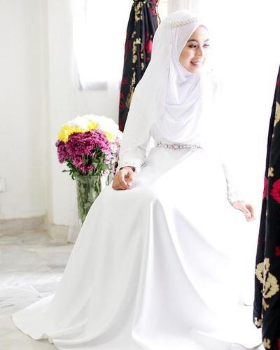 Tampil Cantik Dan Anggun Di Hari Pernikahan Dengan Inspirasi Gaun