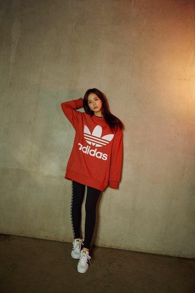 Sporty Style ala Jisoo Blackpink