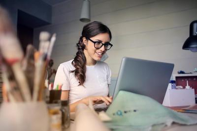 Bisnis Online Shop Kamu Mulai Sepi? Coba Ikuti Trik Ini Biar Laris Manis!