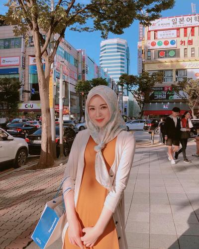 Hijab Motif dengan Bandul