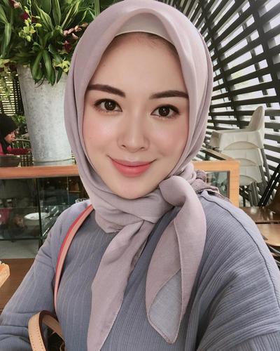 Gaya Hijab Ala Wanita Kantor