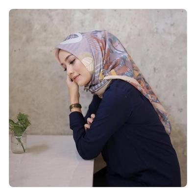 Hijab Pendek Sederhana