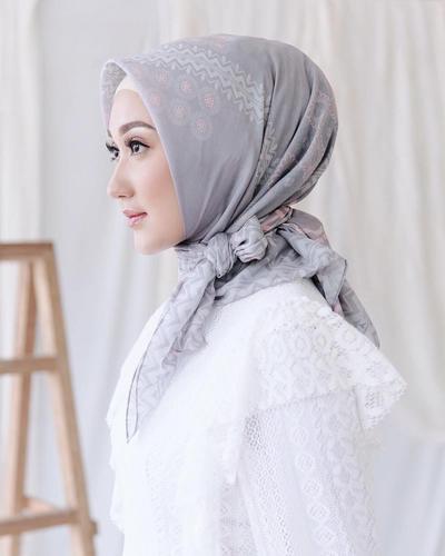 Hijab Tali Samping