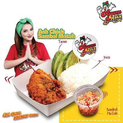 2.Ayam Asix oleh keluarga Anang Hermansyah