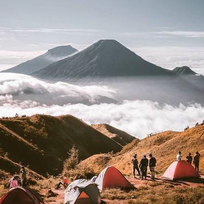 10 Destinasi Wisata Indonesia Ini Punya Panorama Indah dan Menakjubkan! Kamu Harus Berkunjung ke Sini, Ladies!