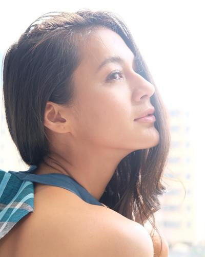 Tampilan Makeup Super Model Paula Verhoeven Wong yang Bikin Terkesima, Flawles Banget!