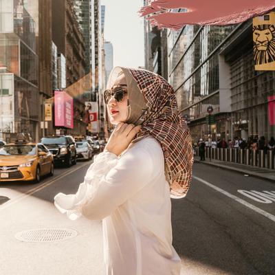 Selain Dian Pelangi, Ini Desainer Indonesia Membanggakan yang Tampil di NYFW 2019