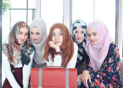 [FORUM] Katanya pake hijab itu bikin aura orang makin keluar ya..?