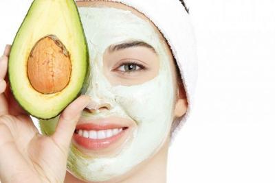 Rekomendasi Masker Wajah Alami yang Bisa Dicoba Sendiri di Rumah