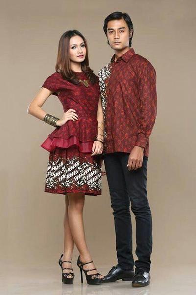 Tak Perlu Pusing Pilih Baju Kondangan Cek Inspirasi Baju Couple Ini