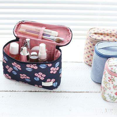 [FORUM] Butuh pouch gak sih untuk nyimpen makeup di tas?