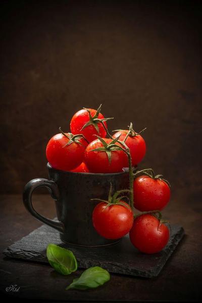 5. Menggunakan Tomat, Bisa Kurangi Keringat di Ketiak Juga!