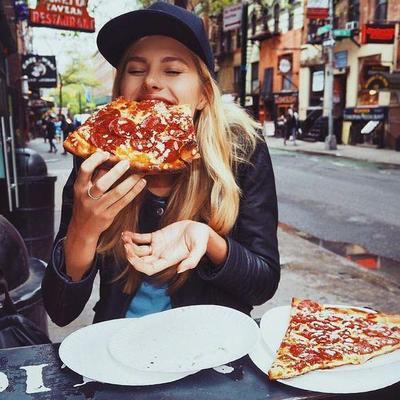 "Ada 6 Tips Nih Buat Calon ""Food Blogger"" yang Enggak Takut Gendut"