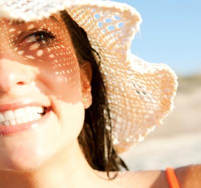 3. Melindungi Kulit dari Sinar UV