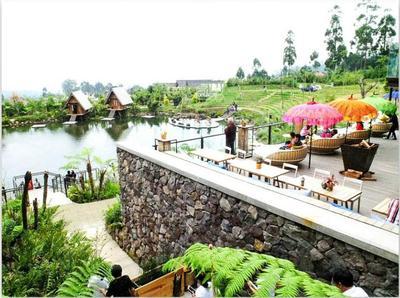 Wisata Dusun Bambu Lembang Bandung, Pas untuk Acara Keluarga - Honeymoon