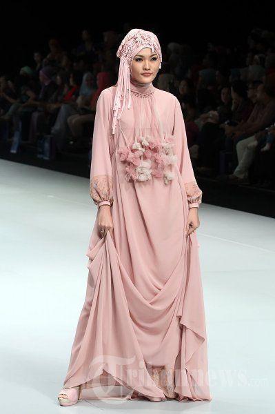 5.Gaun Muslim Modern