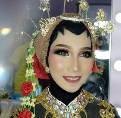Inspirasi Make Up Pengantin Adat Jawa Untuk Hijabers Tetap