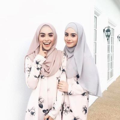Tampil Cantik dengan Warna-warna Kerudung Pashmina Hits 2019