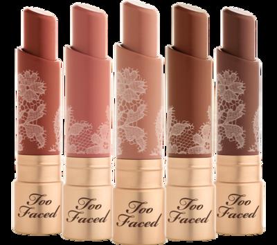 Gak Mau Bibir Kering Akibat Lipstik? Calm Down, Coba Rekomendasi Lipstik Nude Ini Ladies