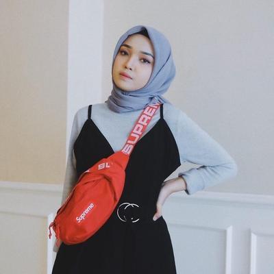 Masih Jadi Tren 2019, Yuk Intip Inspirasi OOTD Hijabers dengan Funny Pack