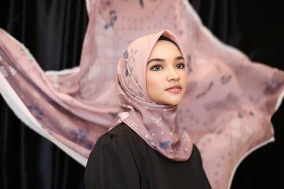 Sukses Membangun Bisnis, Ini 5 Model Hijab di Vanila Hijab yang Mencuri Perhatian