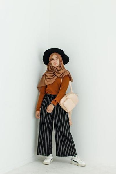 Pakai Hijab Pashmina ke Berbagai Acara? Begini Tipsnya!