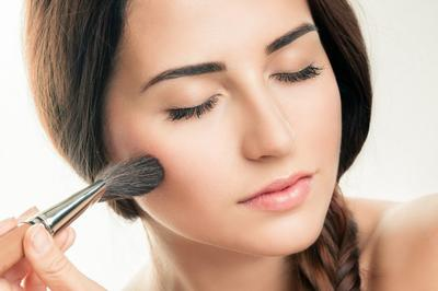 Baru Belajar Pakai Makeup? Yuk Ikuti Tips Bermakeup yang Mudah Ini, Biar Tampilanmu Makin Kece