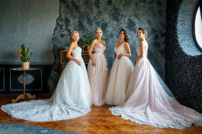 Mau Tampil Sempurna di Hari Pernikahan? Ikuti Tips Memilih Gaun Pengantin Sesuai dengan Siluet Tubuhmu
