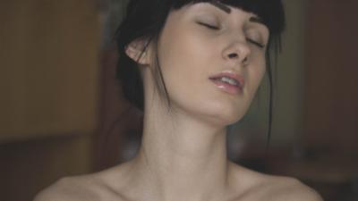 Kenali 7 Tanda Cream Pemutih Wajah Berbahaya, Bisa Berisiko Kanker Kulit Lho!