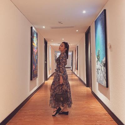 Tampil Feminim dengan Maxi Dress
