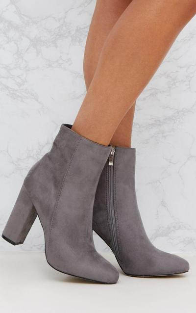 4. Angkle Boots