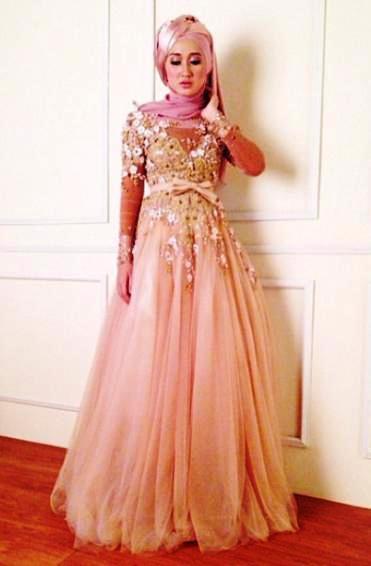 Untuk Hijabers, Yuk Simak Inspirasi Berbagai Gamis Brokat Cantik untuk Pesta Disini!