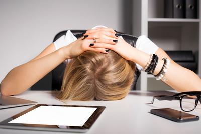 Sering Sakit Kepala Bagian Belakang? Hati-Hati, 5 Hal ini Dapat Menjadi Penyababnya Ladies