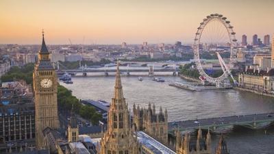 """5 Wisata Terbaik di Eropa Ini Pantas untuk Masuk""""Bucket List"""" Kamu, Ladies! Ini Dia Tempatnya"""