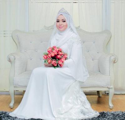 Anggun dan Tidak Berlebihan, Inspirasi Model Hijab Pengantin Syari Khusus Buatmu!