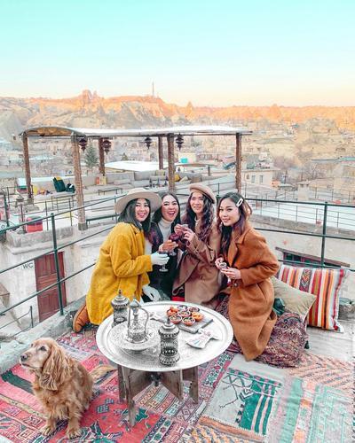 6 Penampilan Influencer Hits Saat Berlibur di Turki, Stylish dan Sophisticated!