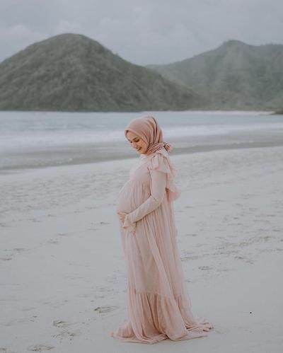 Hijab Untuk Maternity Shoot a;a Dwi Handayani