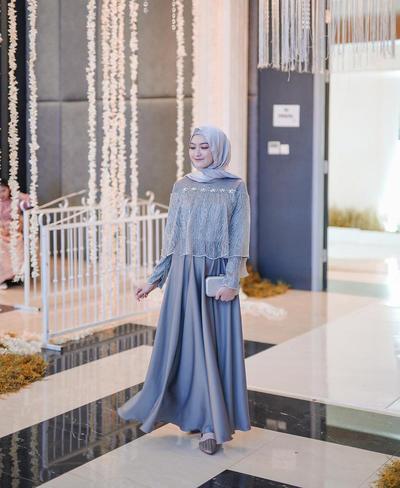 Simple Hijab Untuk Bridesmaid ala Saritiw