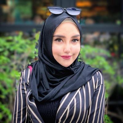 Mengenang Penampilan Selebgram Salmafina Sunan Sebelum Lepas Hijab