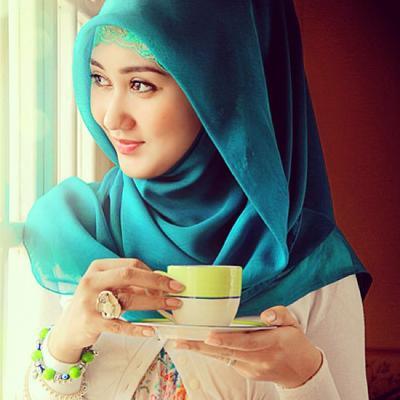 Mix & Match Hijab Warna Tosca Ini Sangat Cantik dan Menarik, Ladies! Intip Disini Inspirasinya