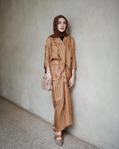 Ruffled Long Dress Stripes Motif ala Selebgram Cantik Agnia Punjabi