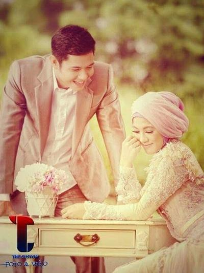 Sedang Mempersiapkan Pernikahan? Yuk, Simak Sederet Inspirasi Prewedding Muslim yang Oke Ini