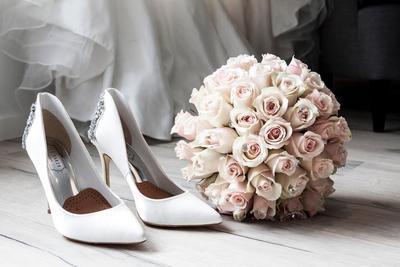 Lengkapi Gaun Pengantin dengan Sepatu yang Nyaman