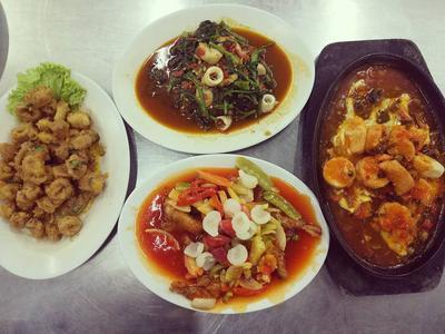 5 Tempat Kuliner Malam di Medan, Cocok Buat Kamu yang Suka Lapar Tengah Malam