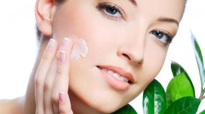 [FORUM] Skin care apa yang cocok untuk kulit sensitif kombinasi kak?