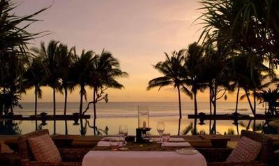 5 Restoran di Jakarta dengan View Pantai untuk Kencan Bareng Pasangan Tersayang