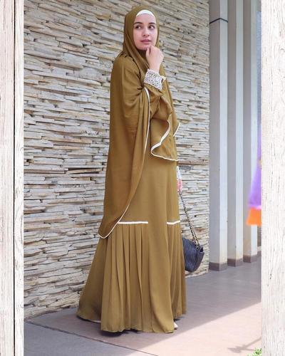 6. Jilbab Panjang tanpa Pad
