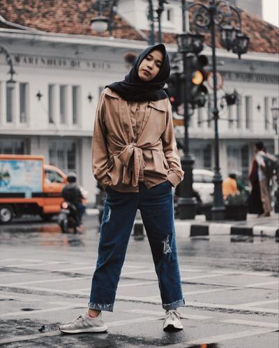 1. Bergaya ala Model Hijabers Indonesia