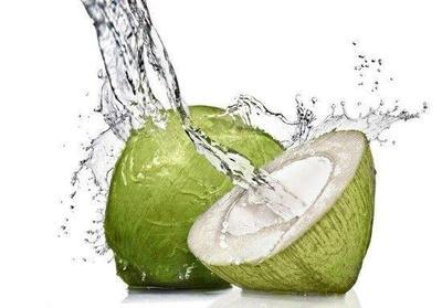 Menakjubkan! Ternyata Ini Lho 7 Manfaat Air Kelapa untuk Kesehatan dan Kecantikan